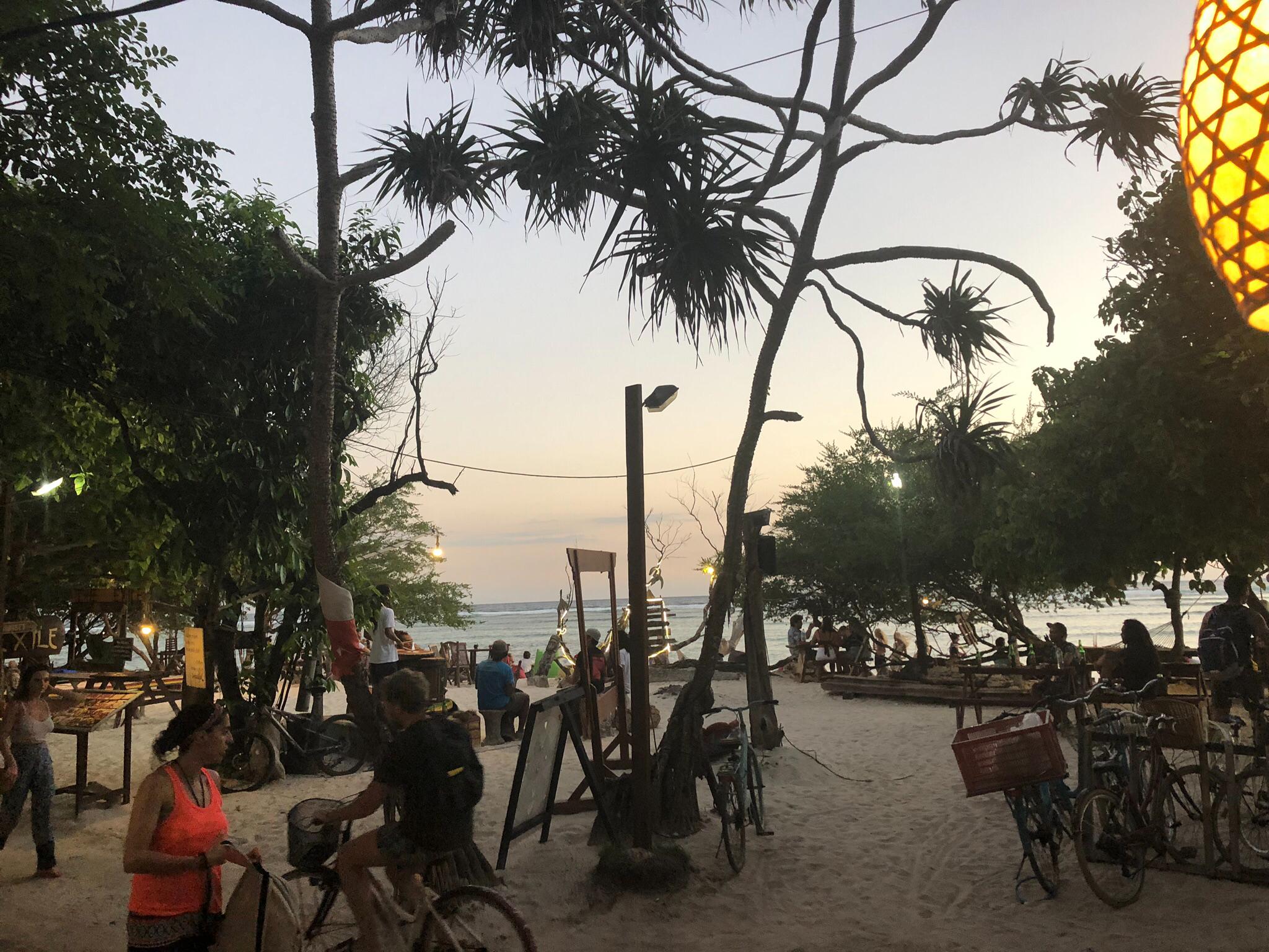 Abend am Strand von Bali